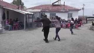 Köylü Kızı demeyin dansa bakın