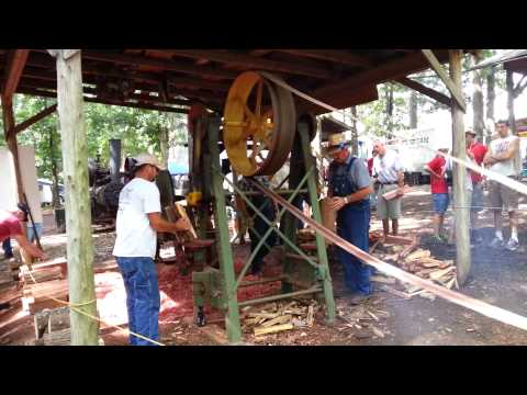 Tractor powered wood splitter