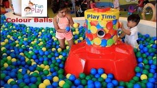 Kids Fun Play Centre Ball, playground with balls in playroom. Usaq Eylence Merkezi. Uşaq videosu