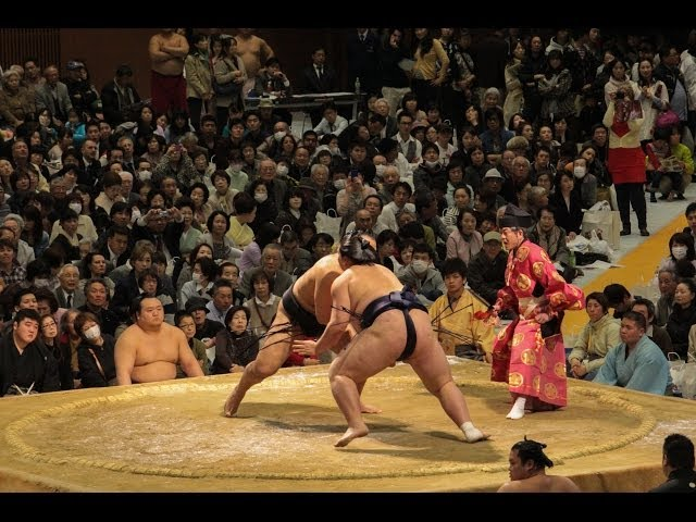 Sumo at the Shimadzu Arena in Kyoto!