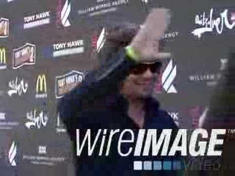 Benicio Del Toro @ Tony Hawks Event Video