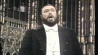 Luciano Pavarotti Video - Luciano Pavarotti - Montreal - 1978 - Adeste Fideles