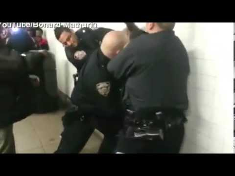 Subway chaos caught on cam as NYPD arrest Muslim teen for allegedly threatening, abusing Jewish.