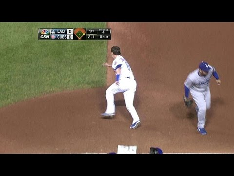 LAD@CHC: Coghlan gets hit by throw, takes second