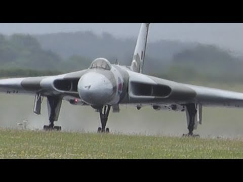 Avro Vulcan XH558 at Kemble 18th June 2011