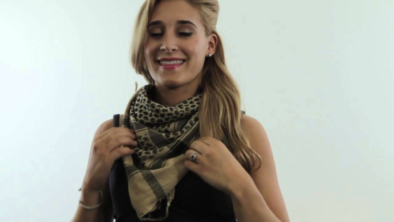 How to Wear an Afghan Scarf : Fashion & Accessories