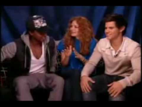 Taylor Lautner Singing Miley Cyrus Song!
