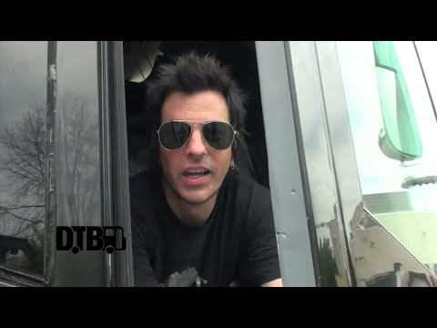 Skid Row - BUS INVADERS Ep. 675
