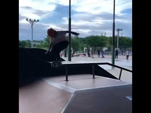We're getting dizzy watching @daikiikeda67 #shralpin #skateboarding   Shralpin Skateboarding