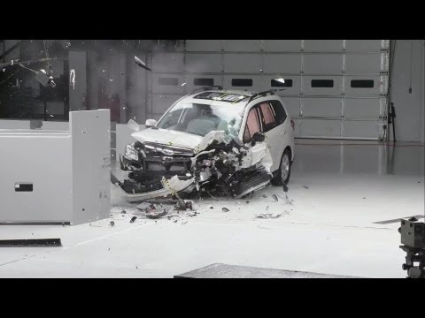 CRASH TEST 2014 Subaru Forester
