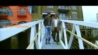 Podaa Podi - Podaa Podi Tower Bridge Scene