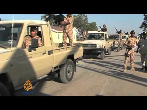 Libyan forces besiege militia oil tanker