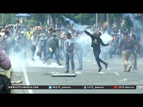 Protestors in Venezuela demand recall referendum for Maduro