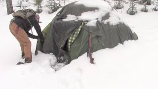 Warmest Winter Survival Shelter -  Deep In Bear Country
