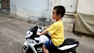 Bin TV 7 - Bé 3 tuổi lái mô tô du xuân 2018