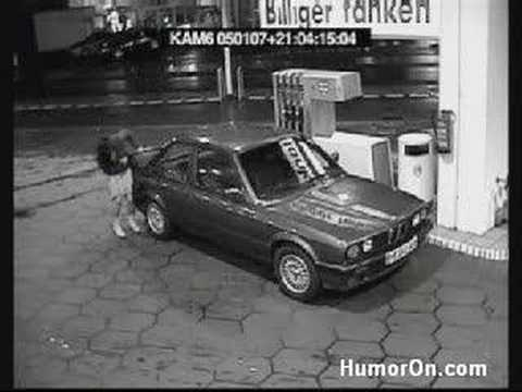 Fight at the petrol station - Harc a benzinkúton