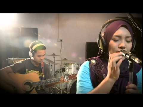 Mendua - Astrid Acoustic Cover by Zarinie Shakira