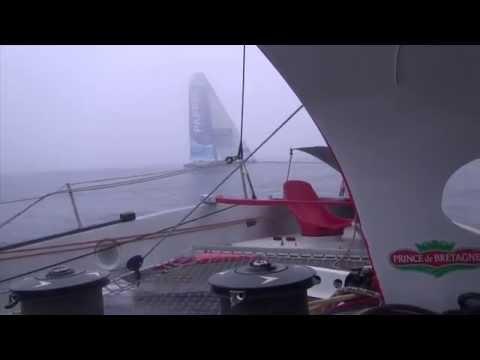 Navigation côte à côte pour le trimaran Maxi80 Prince de Bretagne et le Multi70 de Yann Eliès