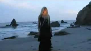 Клип Kerli - Goodbye