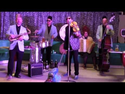Roll Out the Barrel! Beer Barrel Polka by Polka Dans Beetbox...
