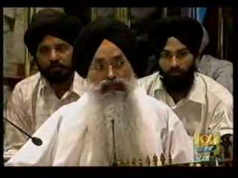 golden temple amritsar inside. kuljit singh and rabab Golden