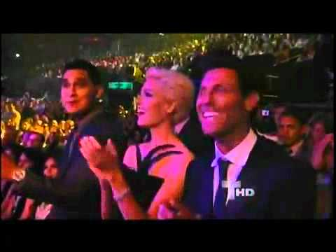 Danza Kuduro Y Taboo En Los Premios En Vivo Billboard 2011 Hd video