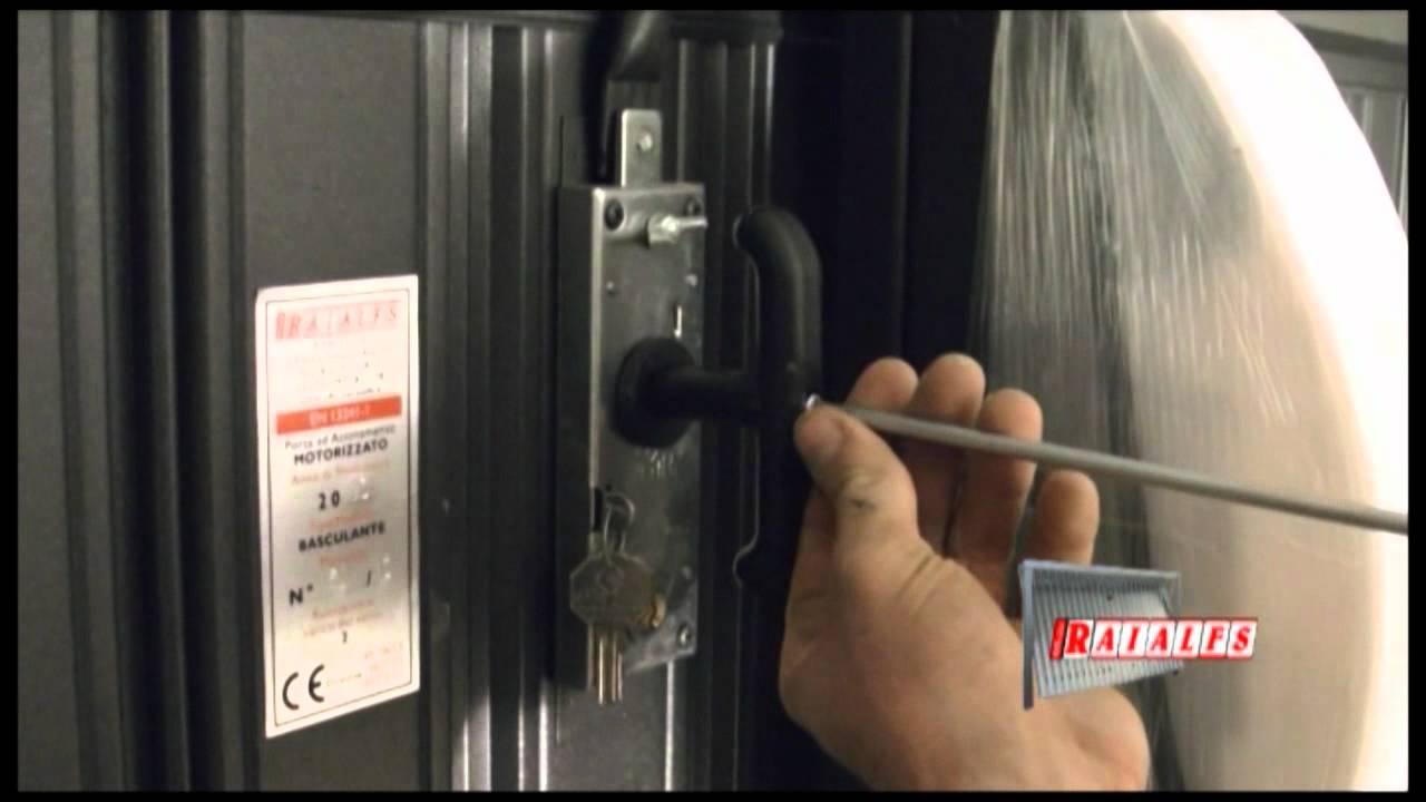Montaggio porta basculante a scomparsa raialfs srl youtube - Kit isolation porte garage basculante ...
