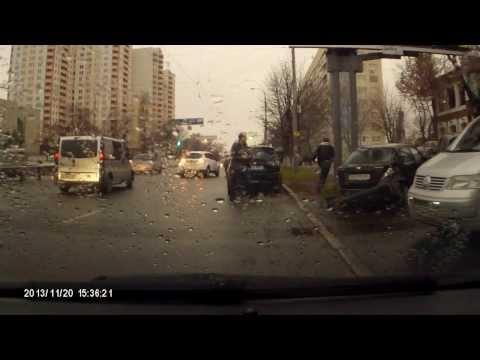 ДТП Киев. Краснозвездный проспект. 20.11.2013
