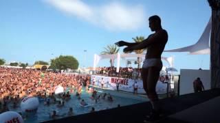 Miles de gais de todo el mundo toman la Illa Fantasia