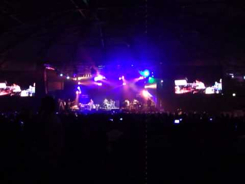 Shreya Ghoshal live in Holland. Sachi sachi teri nazrein