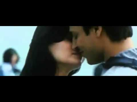 Diya Mirza Super Hot Kissing With Vivek Oberoi From Kurbaan Video Clip video