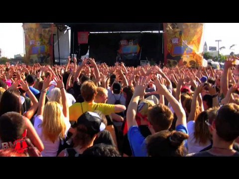 "We're kicking off our summer of Warped Tour footage with brand new music from the guys of 3OH!3, plus their #1 song in the country (as of 6/28/09) ""Don't Tru..."