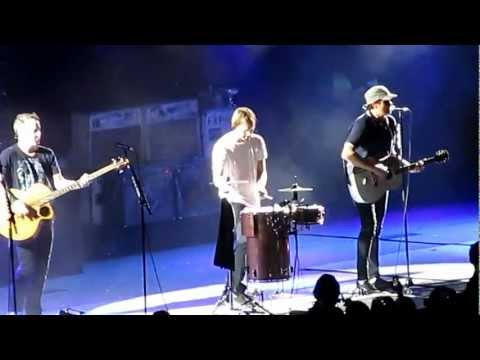 Blink-182 - Wasting Time &amp; Dick Lips Live Melbourne Australia 27/02/13