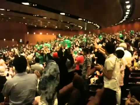 Death to Dictator Chants at Islamic regime party - Mohsen Yeganeh Concert 11 Feb 2011
