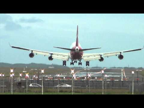 Qantas Airways B747-400 landing I Sydney Airport (YSSY)