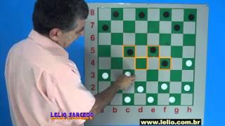 Uma batalha clássica, explorando o ataque pelos flancos no jogo de damas