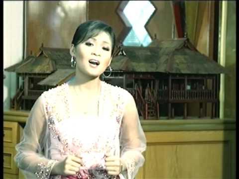 Siti Nordiana & Syura - Mahligai Mawar (Official Music Video)