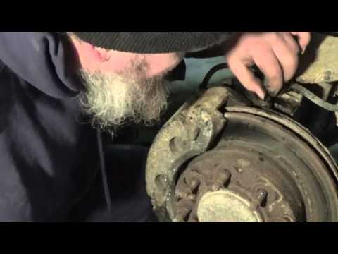 Removal/Installation of Upper & Lower ball joints on a 2002 Chevy 2500HD Part 1