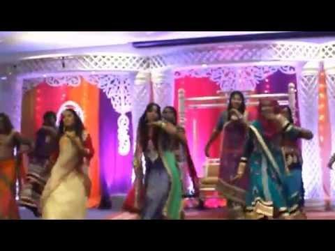 Saree ke fall sa wedding dance