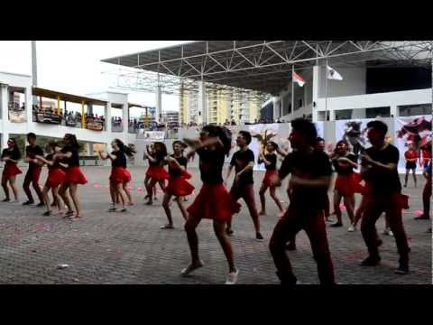 13 MJ Phobos Mass Dance and Cheer (MJ Open House 2013)