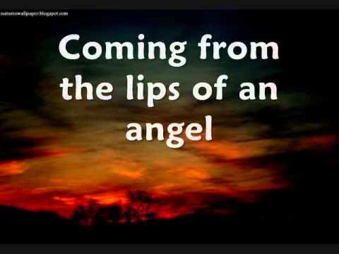 Songtext von Hinder - Lips of an Angel Lyrics
