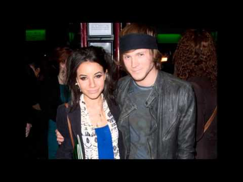 Love is Easy - The Dougie Poynter Studio Version (with lyrics)!