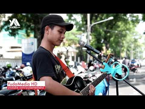 Dash Uciha Merindukanmu Cover Street Musician Malang (Reggae Asik, Penonton Ikut Nyanyi Semua)