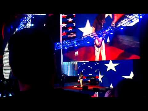 Adam Jones performs National Anthem