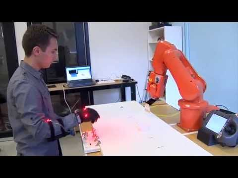 """Worker robots that can """"think"""" on their feet –  Science Nation"""