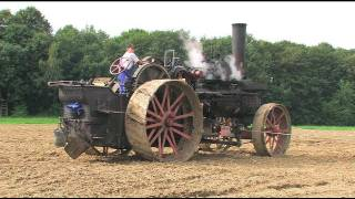 Dampf -Traktor pflügt - Steam Tractor plowing