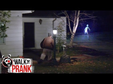 Crash Landing: Second Abduction | Walk the Prank | Disney XD