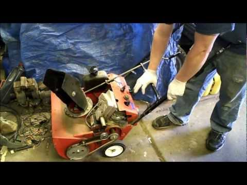 Unseize Stuck 2 stroke engine part 1 Throwing a Rod