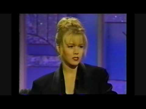 Jennie Garth on Arsenio Hall - 1992