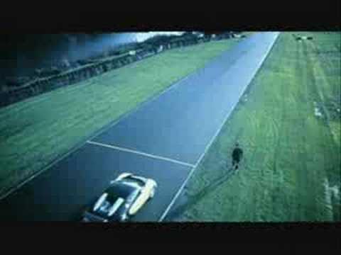 Cristiano Ronaldo v Bugatti Veyron - Nike Mercurial Vapor IV